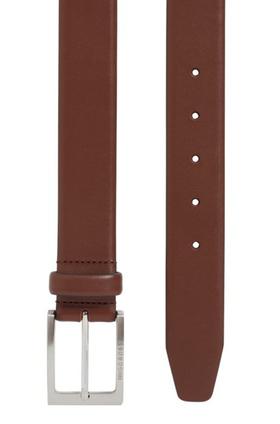 Ledergürtel mit silberfarbener Dornschließe