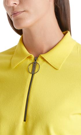 In Deutschland gestricktes Poloshirt
