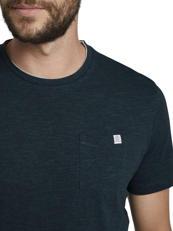 fineliner t-shirt with pocket