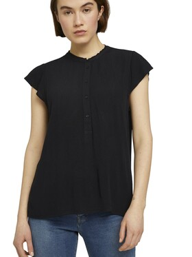 easy tunic with neck detail