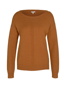 pullover with boatneck