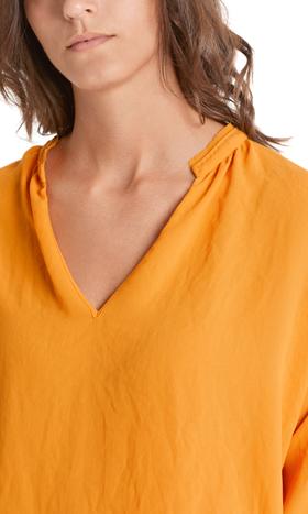 Weites Blusenshirt aus Crêpe